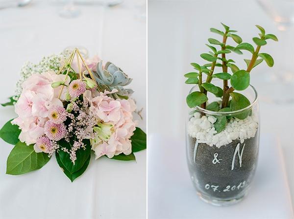 beautiful-outdoor-wedding-succulents-gold-details_19A