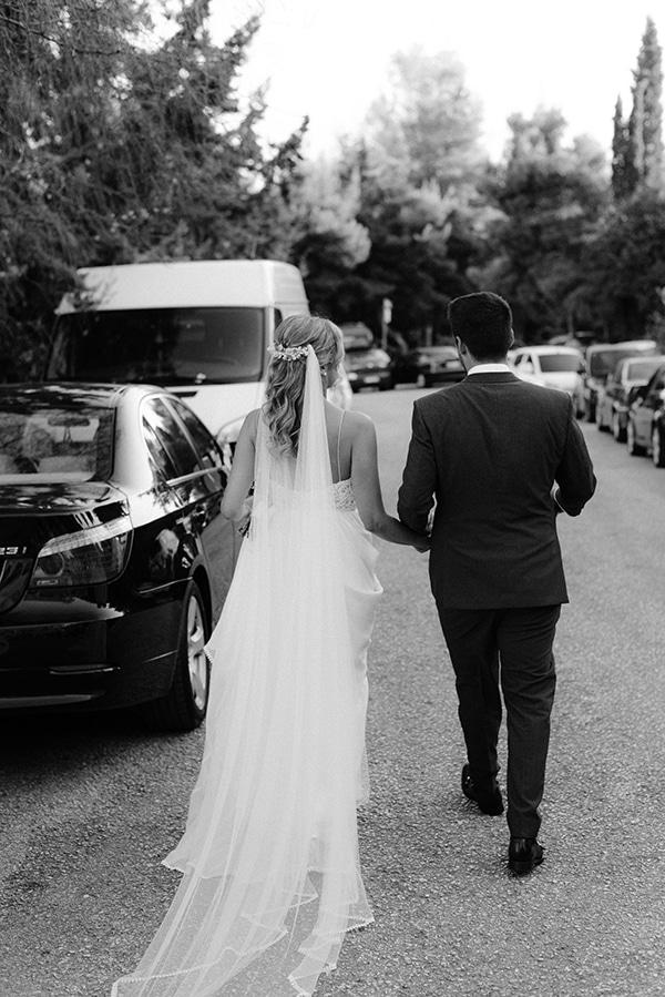 beautiful-outdoor-wedding-succulents-gold-details_29x