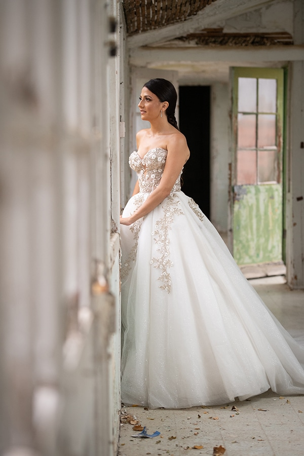 modern-white-gold-wedding-limassol_01w