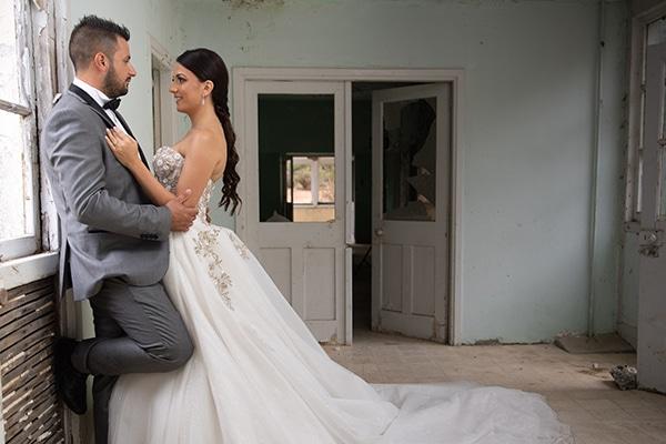 modern-white-gold-wedding-limassol_01z