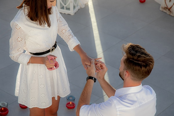 most-romantic-wedding-proposal-video-santorini_02