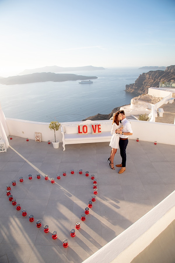 most-romantic-wedding-proposal-video-santorini_03
