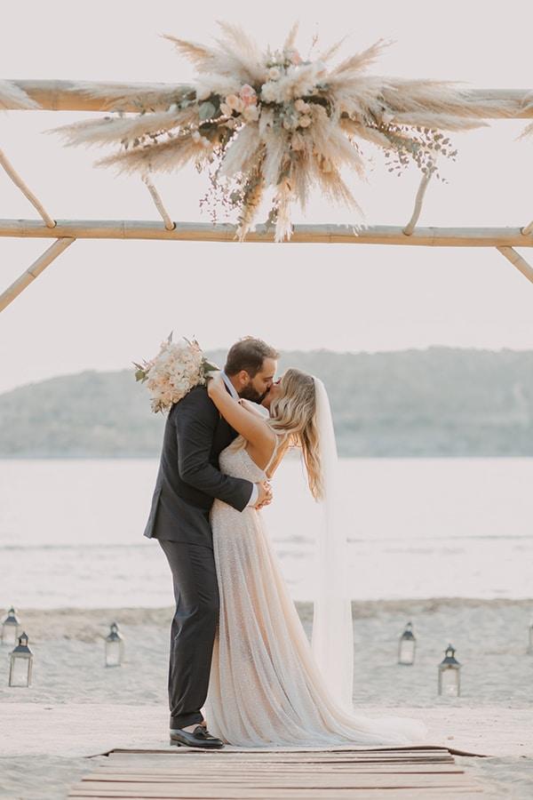 boho-chic-beach-wedding-athens-pampas-grass-pastel-hues_20