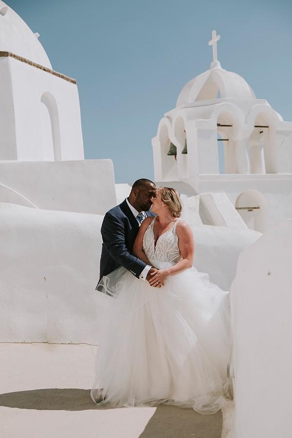 intimate-destination-wedding-santorini-bursting-pampas-grass_02