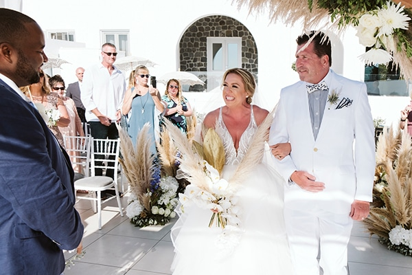intimate-destination-wedding-santorini-bursting-pampas-grass_22