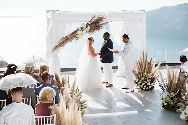 intimate-destination-wedding-santorini-bursting-pampas-grass_23