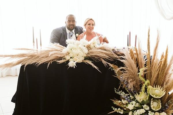 intimate-destination-wedding-santorini-bursting-pampas-grass_28