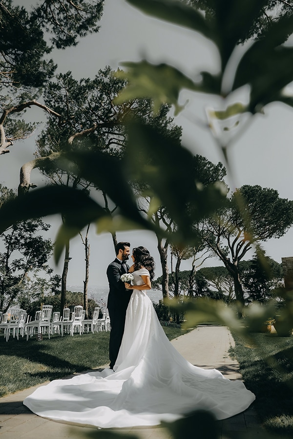 intimate-outdoor-wedding-lebanon-romantic-elegant-touches_01x