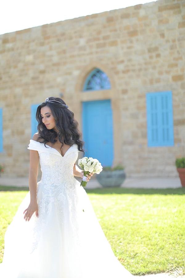intimate-outdoor-wedding-lebanon-romantic-elegant-touches_05x