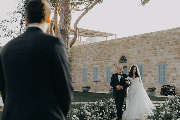 intimate-outdoor-wedding-lebanon-romantic-elegant-touches_09
