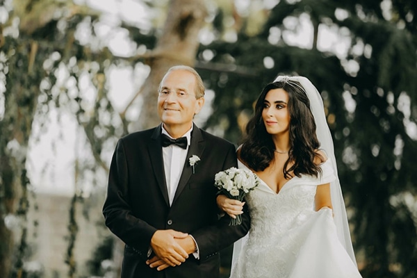 intimate-outdoor-wedding-lebanon-romantic-elegant-touches_10