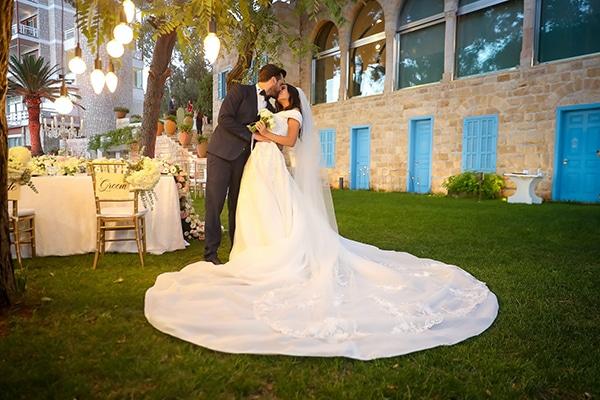 intimate-outdoor-wedding-lebanon-romantic-elegant-touches_25