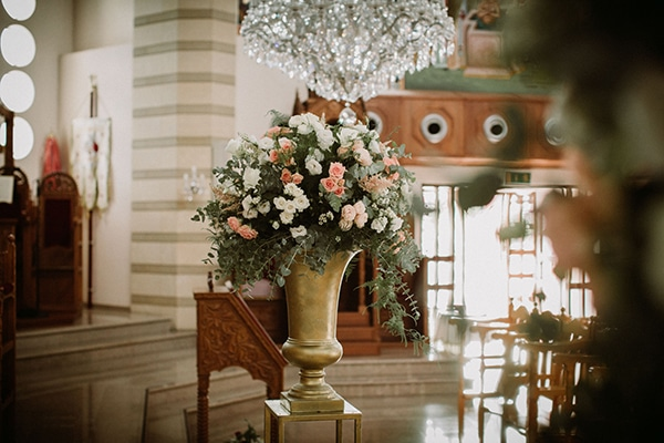 romantic-fall-wedding-nicosia-wonderful-floral-designs-pastel-hues_09
