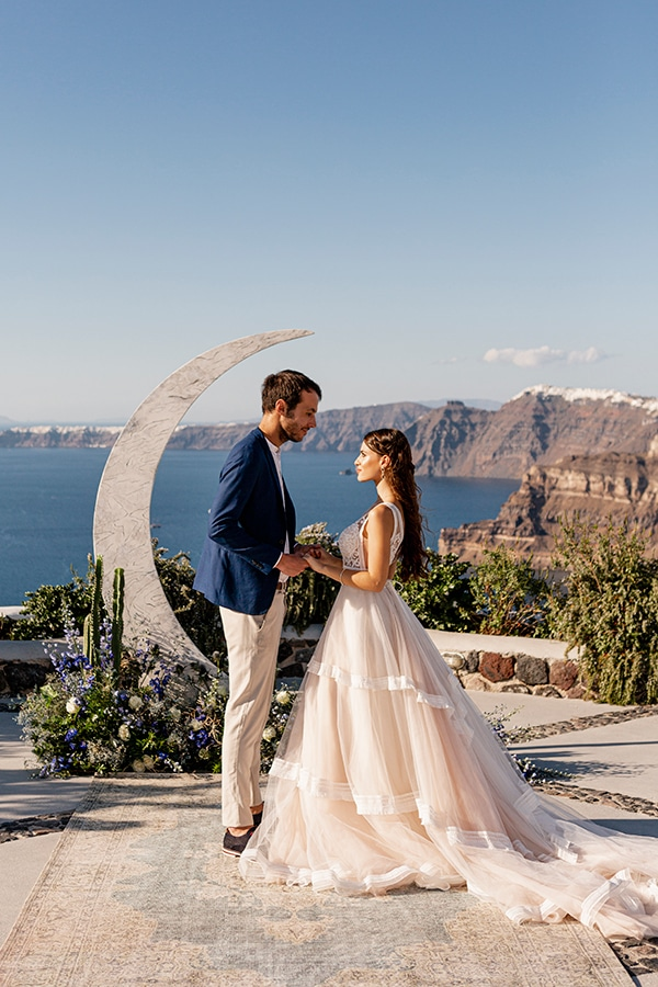 beautiful-styled-shoot-santorini-romantic-details_01x