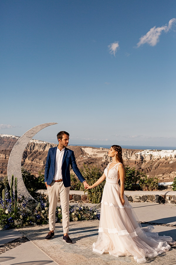 beautiful-styled-shoot-santorini-romantic-details_08