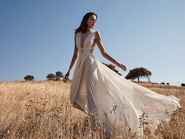 ethereal-wedding-dresses-bridal-capsule-collection-spring-2021_01