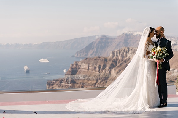 Inspiring destination wedding in Santorini with the most amazing details ? Rosalia & Riccardo