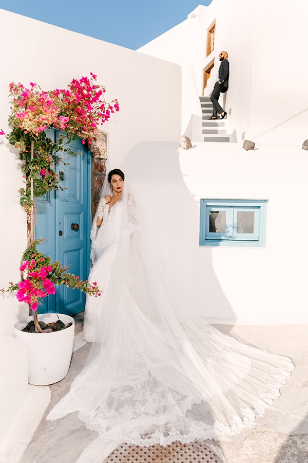 inspiring-destination-wedding-santorini-most-amazing-details_02x