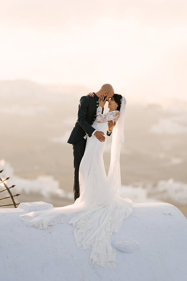 inspiring-destination-wedding-santorini-most-amazing-details_52