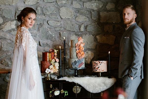 romantic-winter-elopement-warm-colors-cozy-accents-elegant-details_02