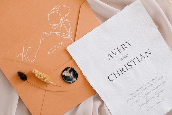 romantic-winter-elopement-warm-colors-cozy-accents-elegant-details_03x