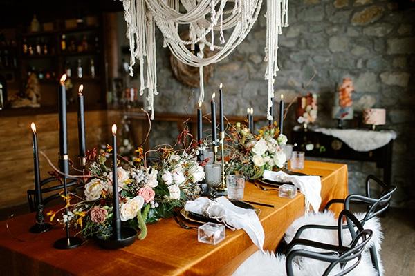 romantic-winter-elopement-warm-colors-cozy-accents-elegant-details_07x