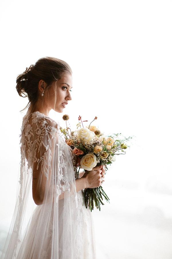 romantic-winter-elopement-warm-colors-cozy-accents-elegant-details_08x