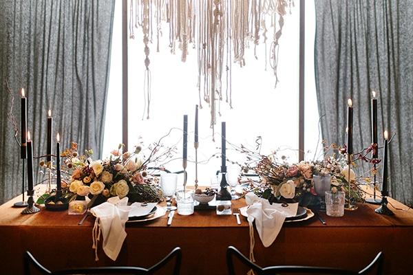 romantic-winter-elopement-warm-colors-cozy-accents-elegant-details_10x