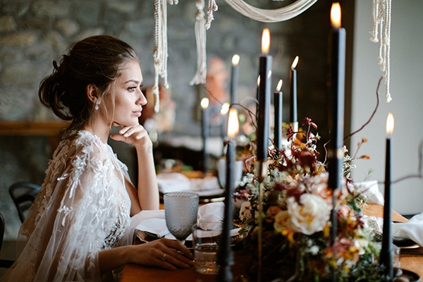 romantic-winter-elopement-warm-colors-cozy-accents-elegant-details_13x