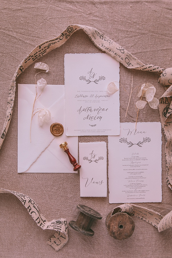 whimsical-styled-shoot-lunaria-soft-color-tones_09