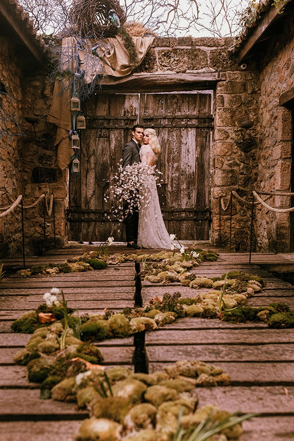 whimsical-styled-shoot-lunaria-soft-color-tones_10