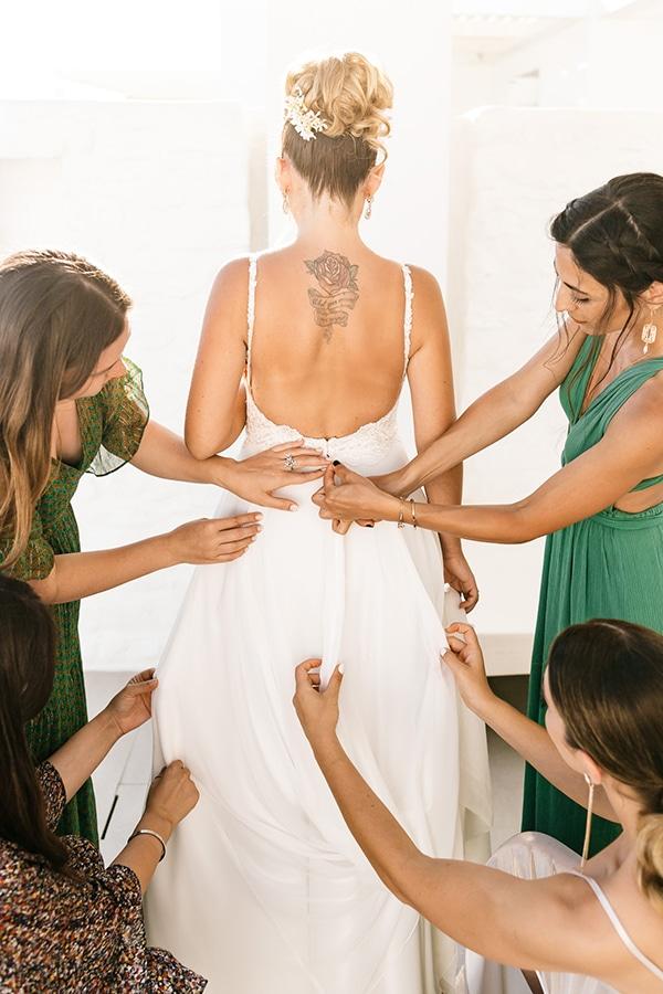 romantic-summer-wedding-paros-bougainvillea_05