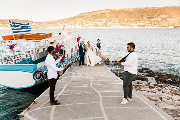 romantic-summer-wedding-paros-bougainvillea_13