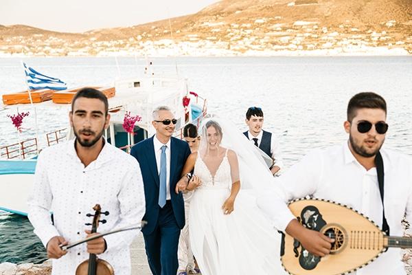 romantic-summer-wedding-paros-bougainvillea_14