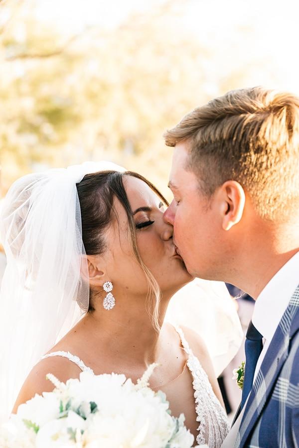 romantic-summer-wedding-paros-bougainvillea_15