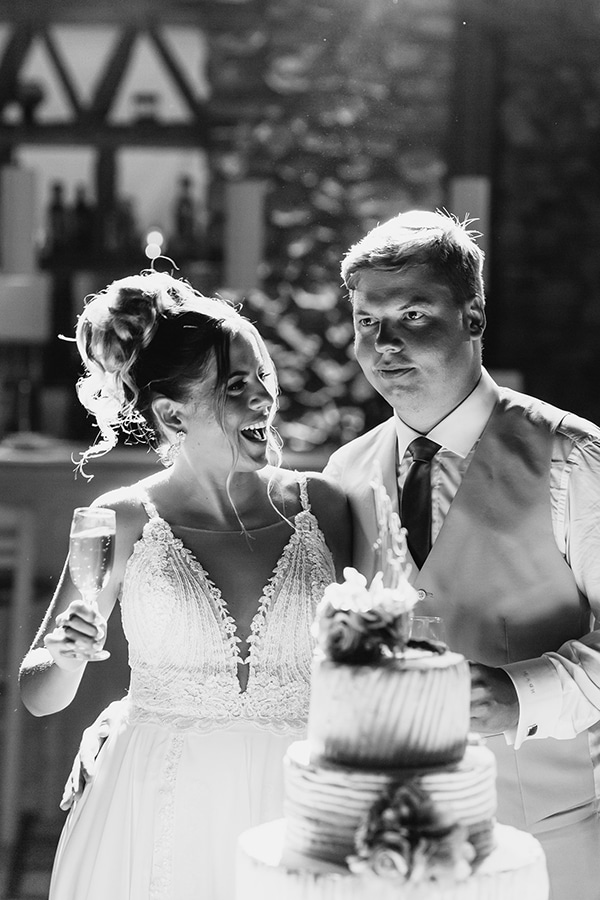 romantic-summer-wedding-paros-bougainvillea_29