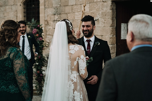 beautiful-winter-wedding-larnaca-pastel-hues_16