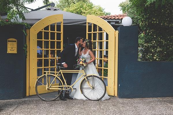 fall-wedding-athens-color-pop_02x