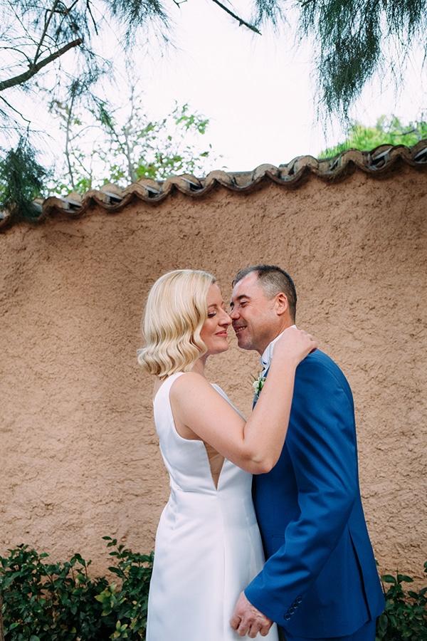 minimal-outdoor-wedding-athens-white-roses-peonies_01x