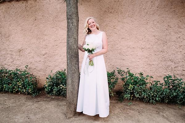 minimal-outdoor-wedding-athens-white-roses-peonies_02
