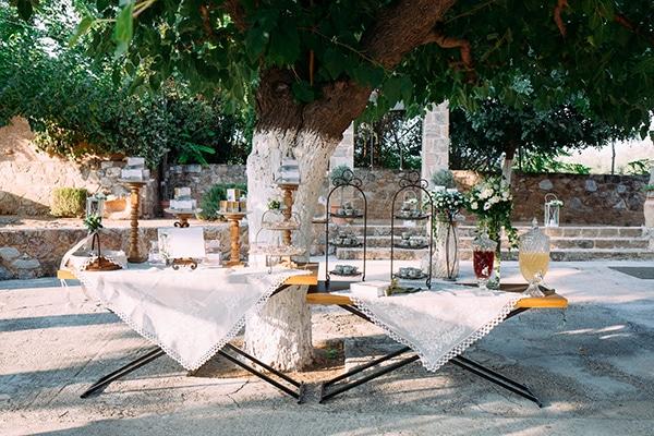 minimal-outdoor-wedding-athens-white-roses-peonies_06x