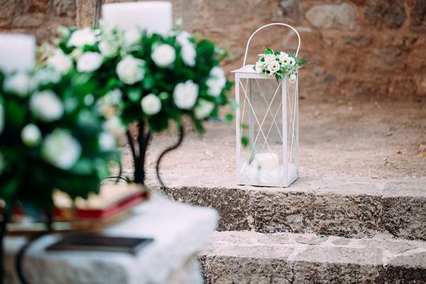 minimal-outdoor-wedding-athens-white-roses-peonies_08