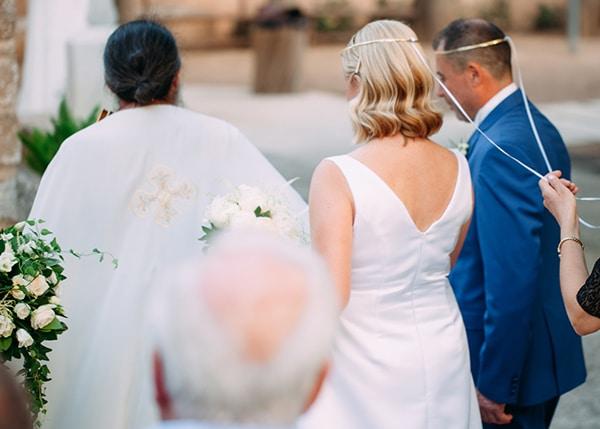 minimal-outdoor-wedding-athens-white-roses-peonies_12