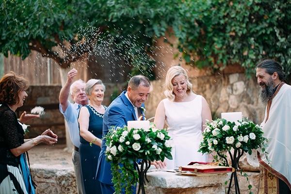 minimal-outdoor-wedding-athens-white-roses-peonies_13