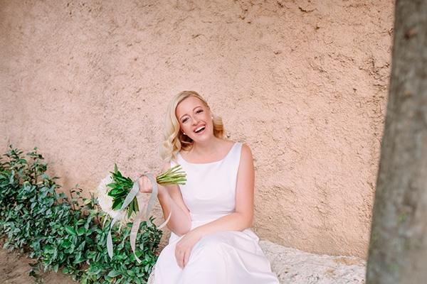 minimal-outdoor-wedding-athens-white-roses-peonies_16