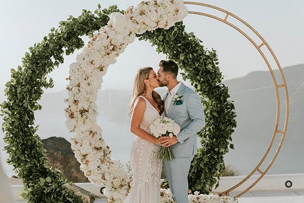 autumn-fairytale-wedding-santorini-island-most-dreamy-views_01x