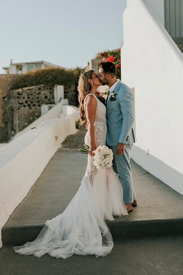 autumn-fairytale-wedding-santorini-island-most-dreamy-views_02x