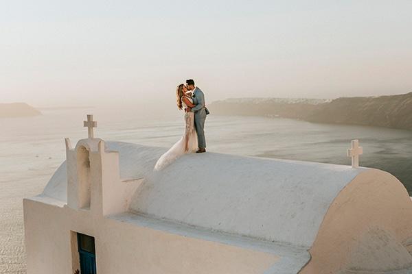 autumn-fairytale-wedding-santorini-island-most-dreamy-views_03