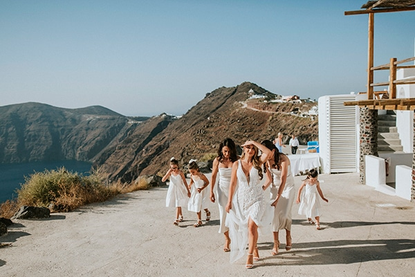 autumn-fairytale-wedding-santorini-island-most-dreamy-views_09