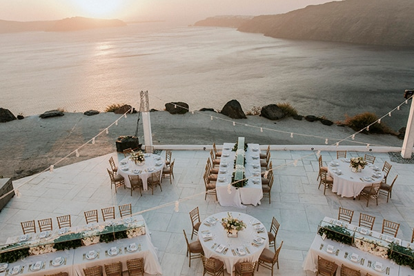 autumn-fairytale-wedding-santorini-island-most-dreamy-views_26x